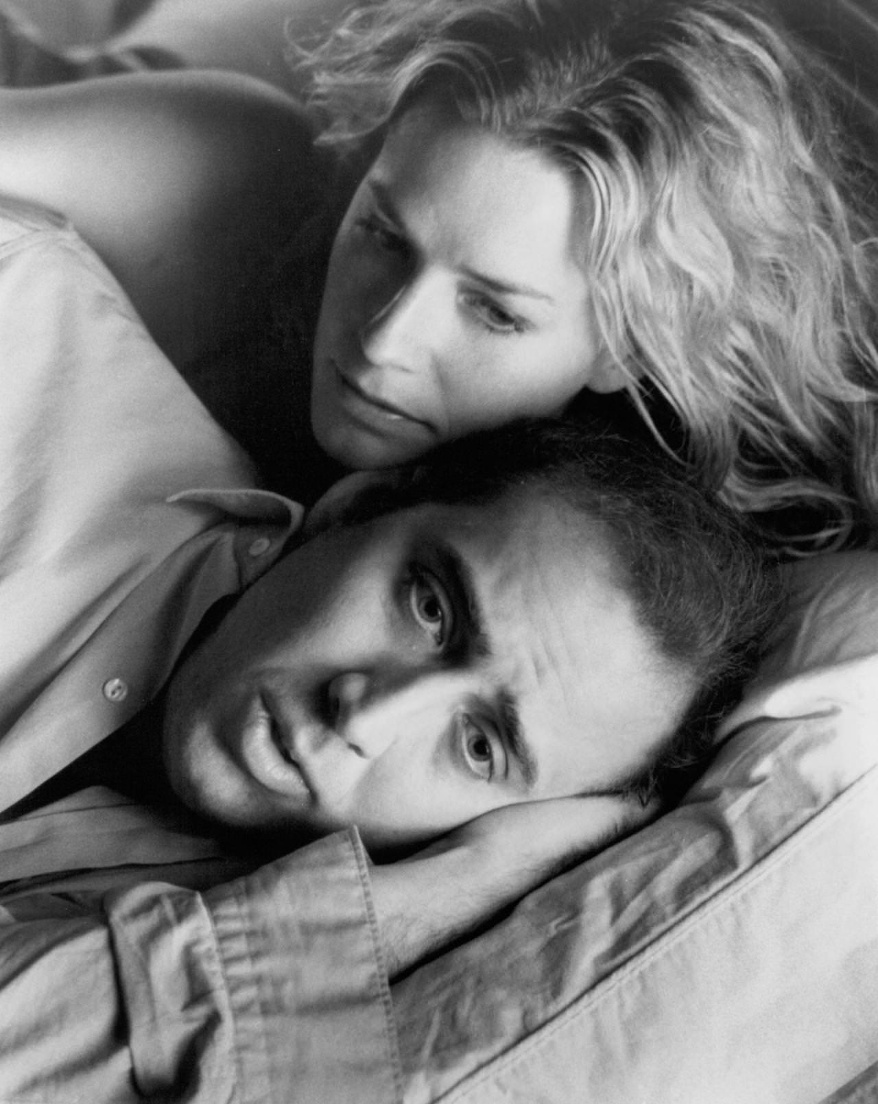 still-of-nicolas-cage-and-elisabeth-shue-in-leaving-las-vegas-large-picture-259451965