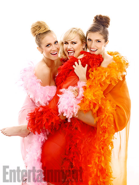 pitch-perfect-2-brittany-snow-anna-kendrick-rebel-wilson